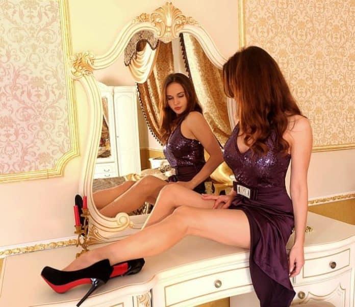 High Tech, miroir, miroir connecté