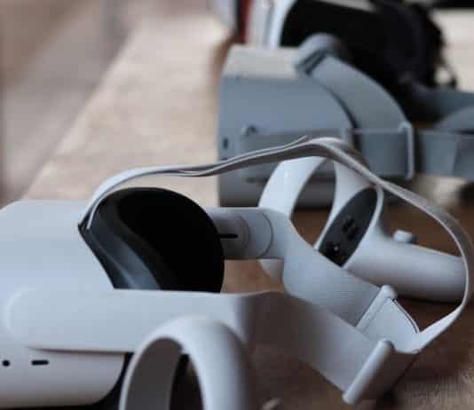 Oculus Quest 2 avec manettes